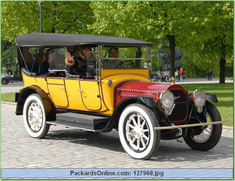 1917 Packard Model 2-25 7 Pas Touring