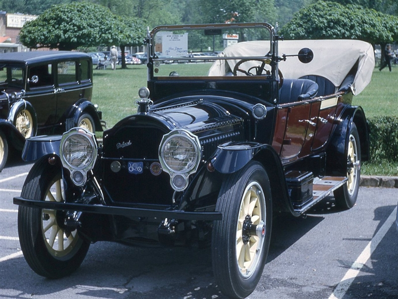 1917 Packard Model 2-25 Touring