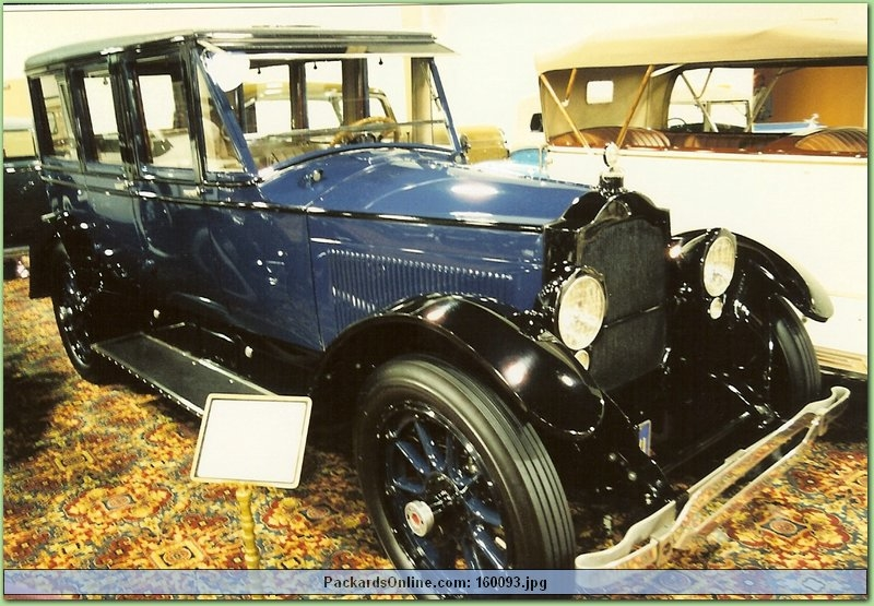 1919 Packard Model 3-35 7 Pas Limousine