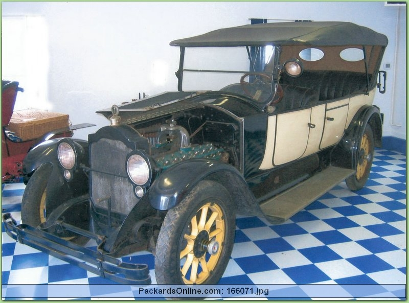 1921 Packard Model 3-35 Touring