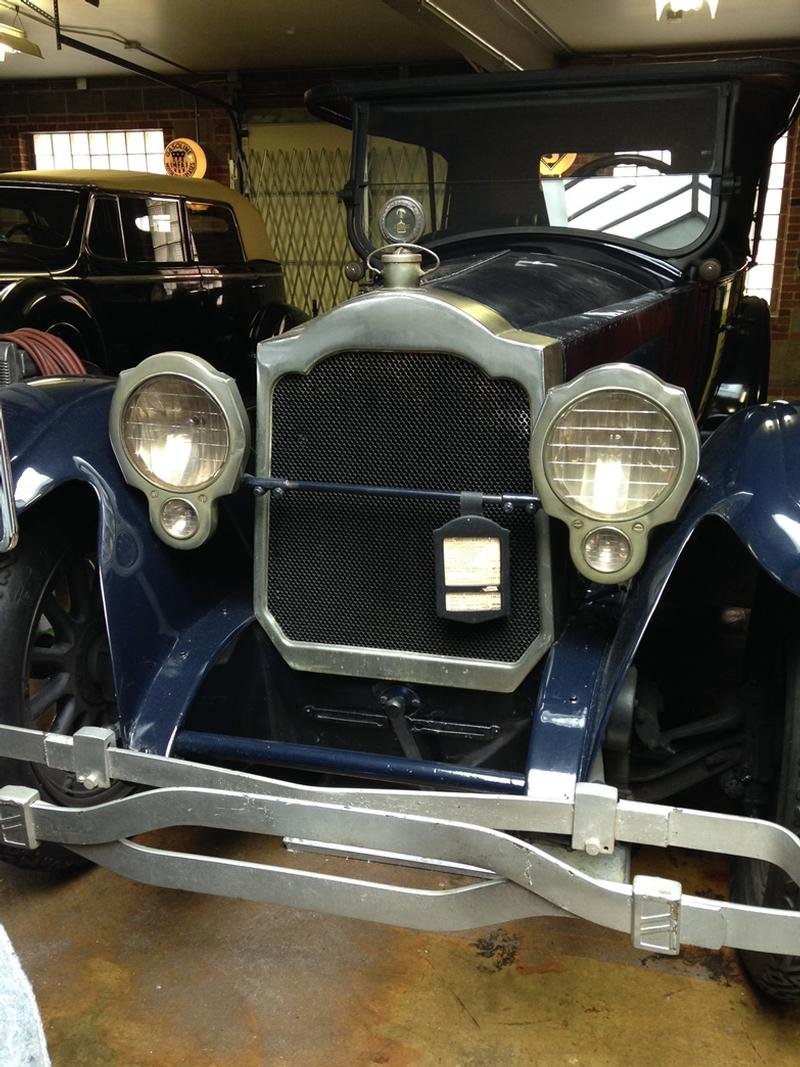1919 Packard Model 3-35 7 Pas. Touring