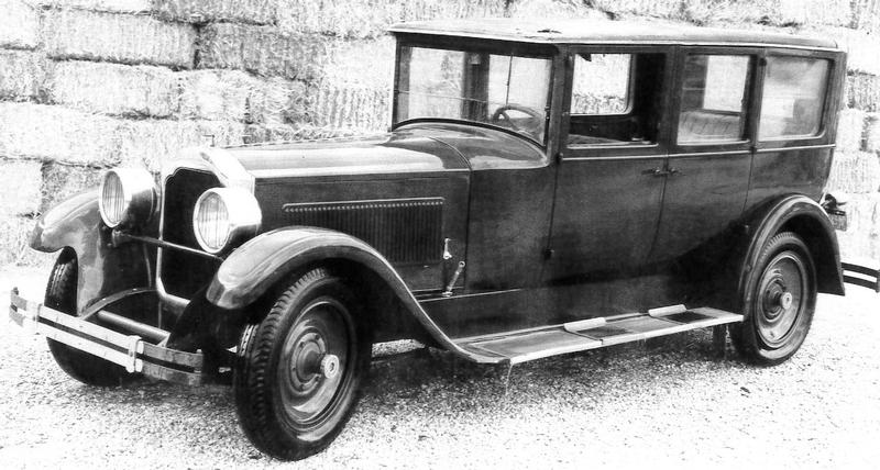 1925 Packard Model 243 Sedan - 7 pass.